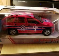 Philadelphia Phillies BMW X5  Fleer 1:24 Die-cast MLB Car -