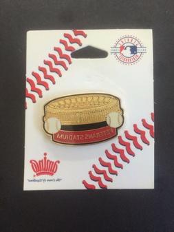 Veterans Stadium Pin - New - Philadelphia Phillies - Eagles